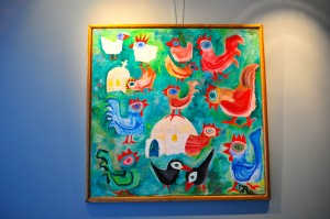 In de wachtkamer hangt altijd wisselende kunst om een huiselijke ontspannen sfeer te creëren.